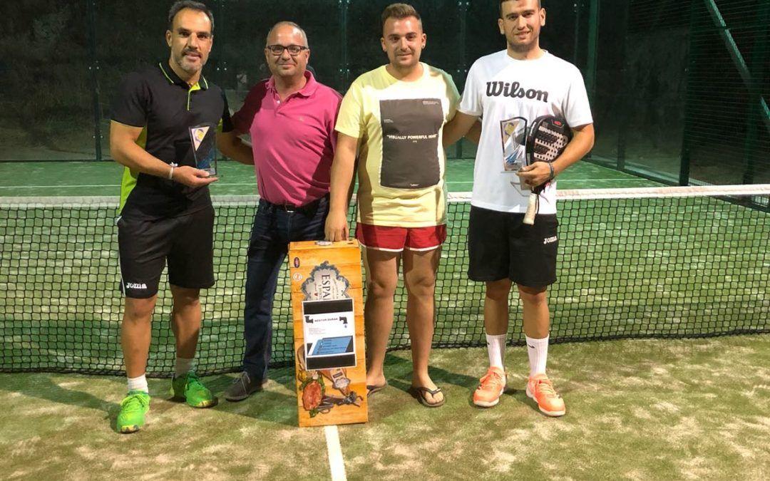 Eduardo Blanco y Valentín Esteban, campeones del I Torneo de Pádel de Aldea en Cabo