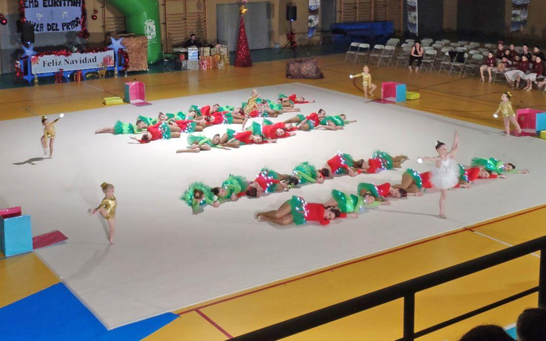 Nuestra Escuela Municipal de Gimnasia Rítmica participó en el Festival de Navidad de Villa del Prado