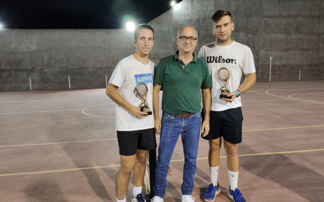 Jesús Castillo y Eduardo Blanco, Campeones del Torneo de Tenis Dobles.